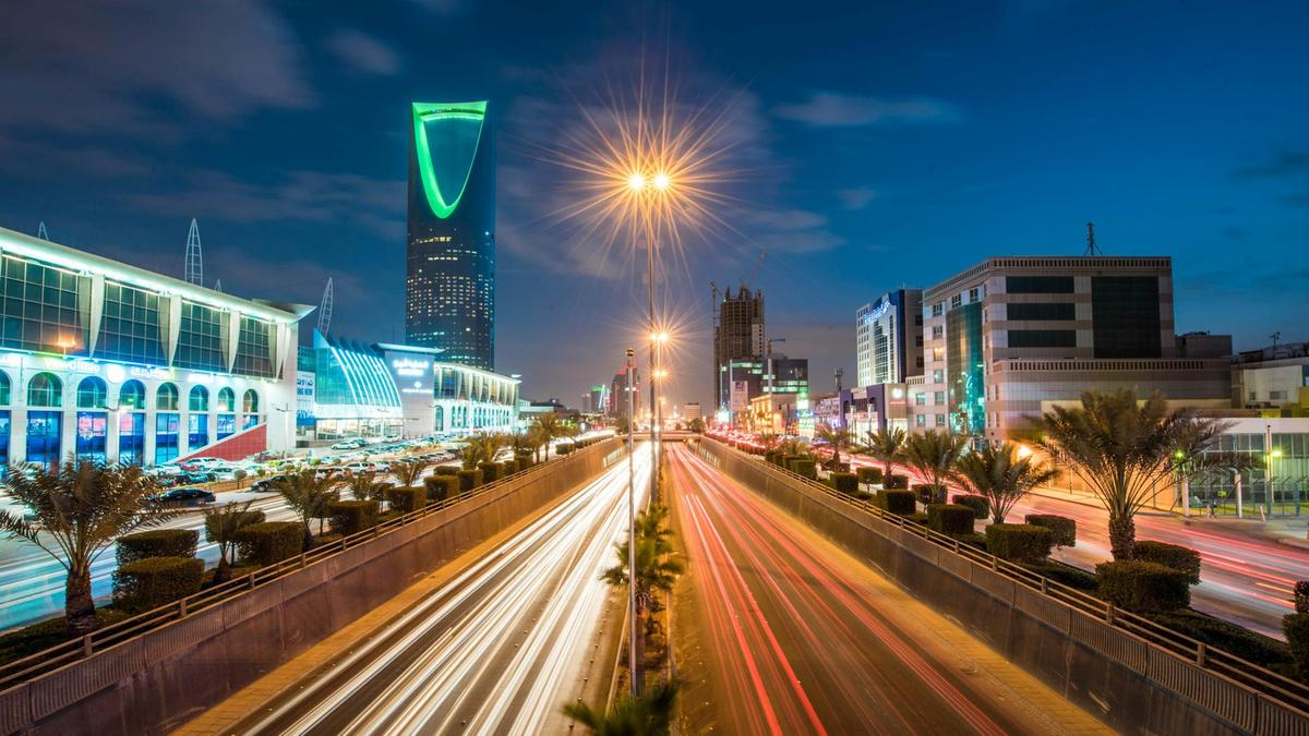 Saudi non-oil economy grows in August on new orders and exports